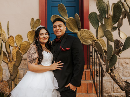 ELVIA + FELIPE // INTIMATE HALLOWEEN URBAN WEDDING AT KINGAN GARDENS // TUCSON WEDDING PHOTOGRAPHER
