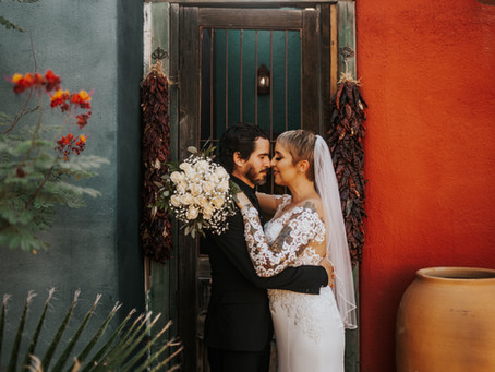 AMANDA + ALEX // INTIMATE DOWNTOWN WEDDING AT KINGAN GARDENS // TUCSON WEDDING PHOTOGRAPHER
