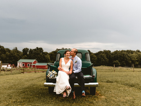 TAYLOR + JOHN // NEW ENGLAND WEDDING AT VALLEY VIEW FARM // MASSACHUSETTS WEDDING PHOTOGRAPHER