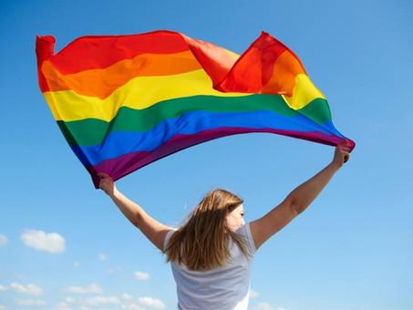 O que é LGBTQI+: significado e dúvidas esclarecidas sobre a sigla