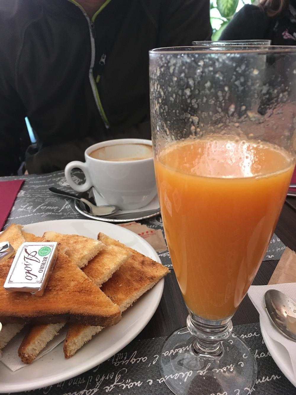 Fresh Squeezed orange juice in Rome!