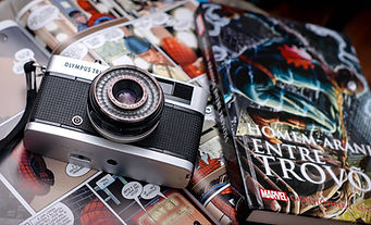 comic and camera