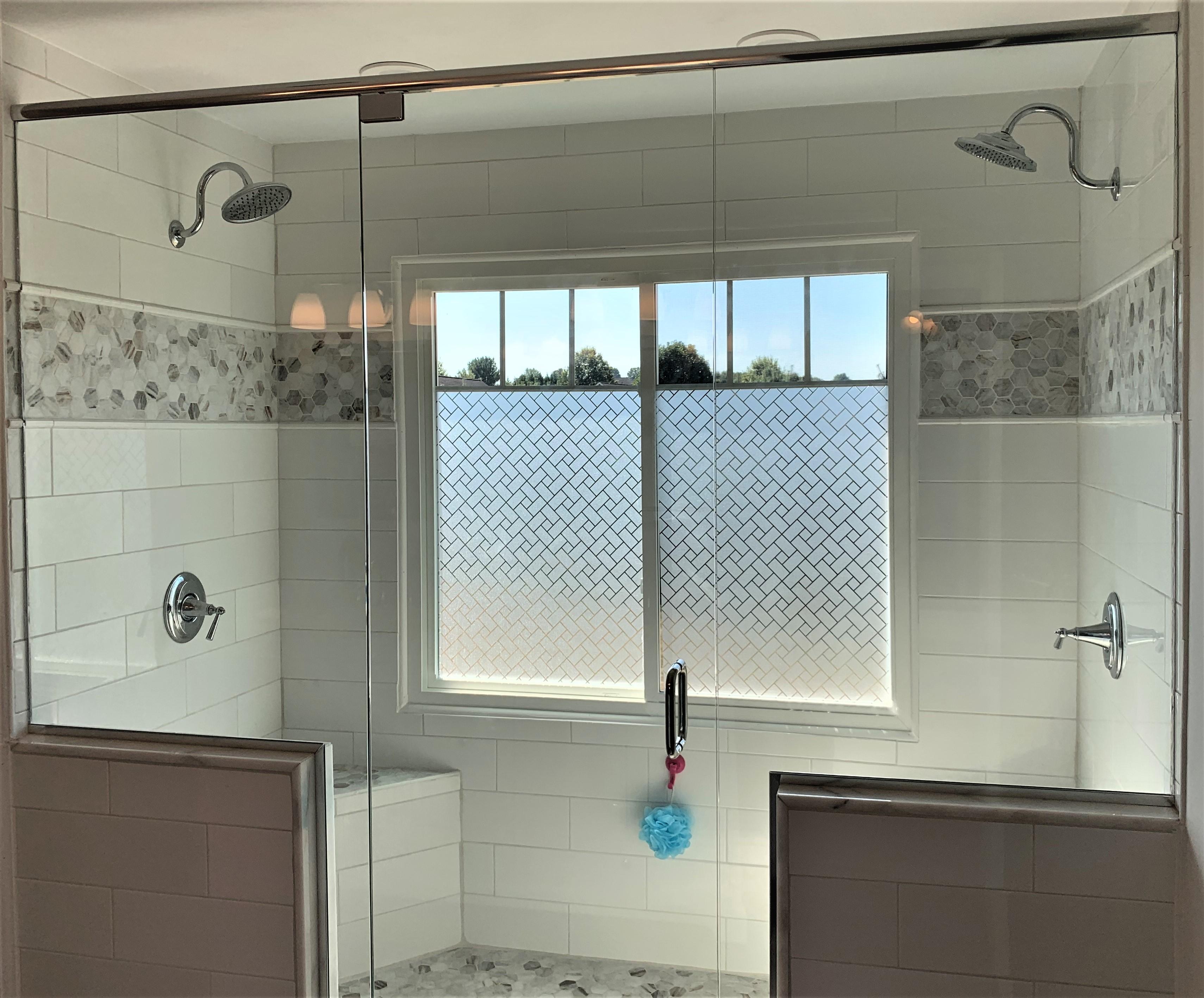 Hull shower door