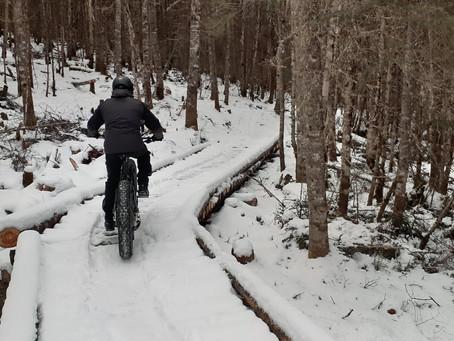 Du fatbike au pied des pentes de ski