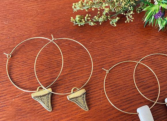 Shark teeth hoops