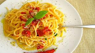 Etiqueta à mesa - Como omer espaguete com elegância