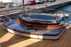 Whirlpool Yacht