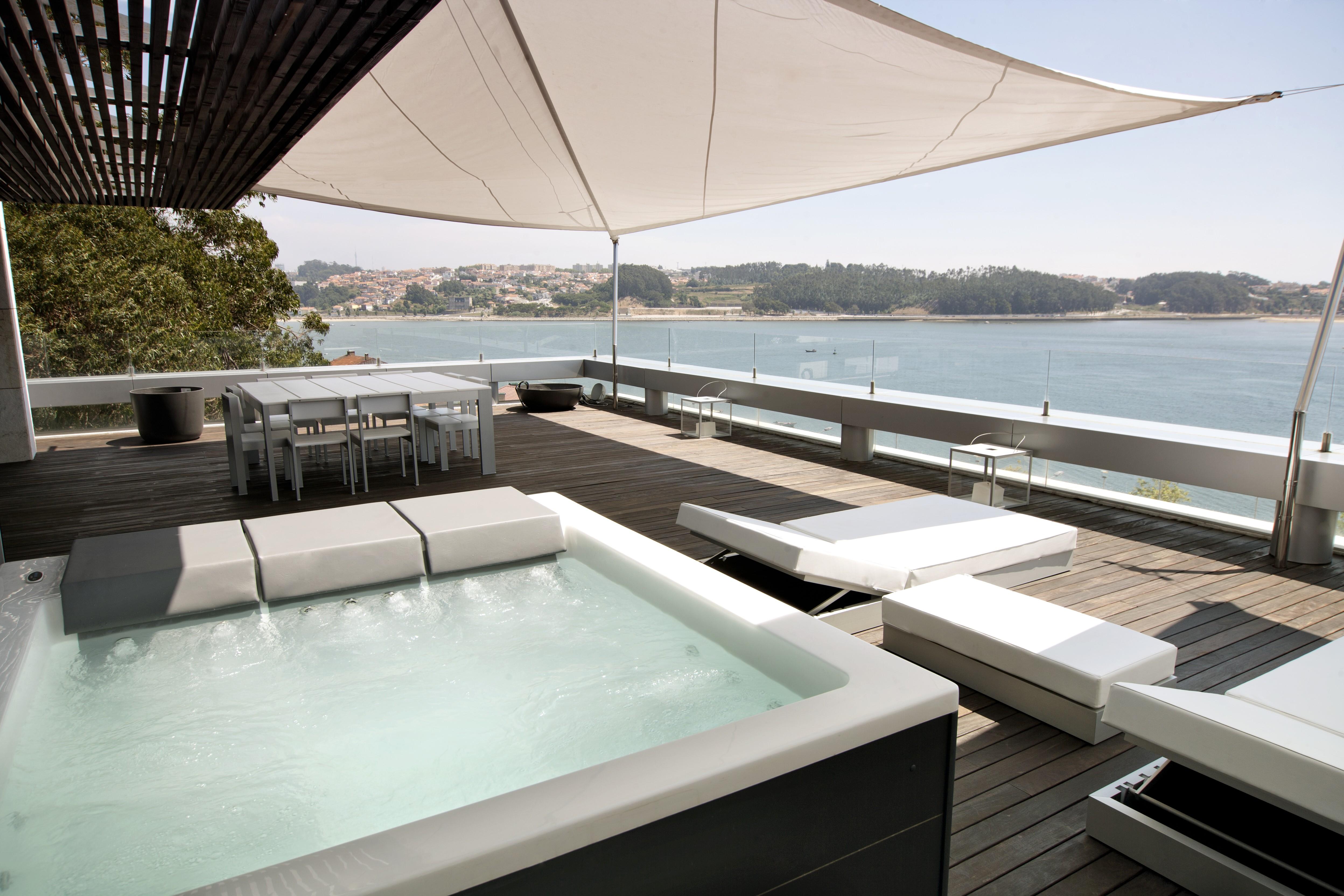 Whirlpool Lounge Concept III