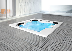 Whirlpool in Holzdeck Herford
