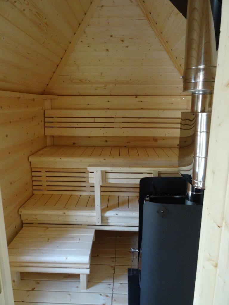Wikinger Grillkota 9,2 m2 mit Sauna innenansicht