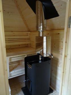 Wikinger Saunaanbau mit Ofen und warm Wasserboiler