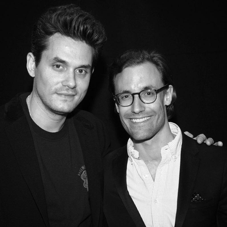 w. Guitarist John Mayer