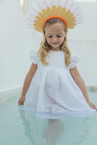 White dress with ribs/Vestido branco com nervuras