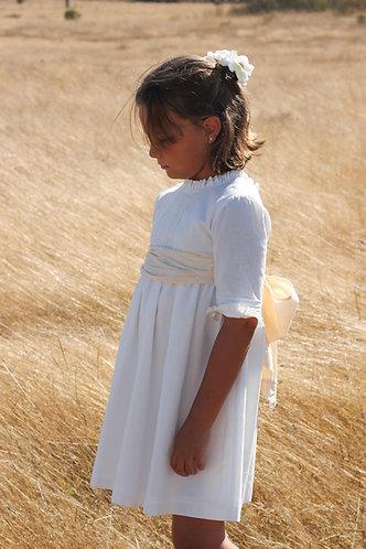 White dress with 3/4 sleevs/ Vestido branco manga a 3/4