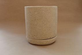 Maceta concreto con plastico reciclado arena.JPG