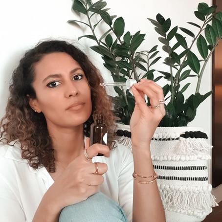 Le top 10 des huiles essentielles pour le cycle féminin
