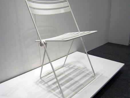 เก้าอี้พับทำจากเส้นลวด