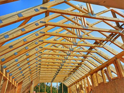 Acoperis din ferme din lemn pentru o casa pe structura de lemn | Miradex Wooden Buildings