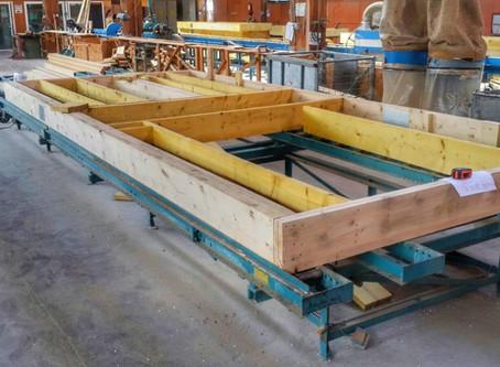 Viitorul este prefabricat: case pe structură timberframe fabricate în hală