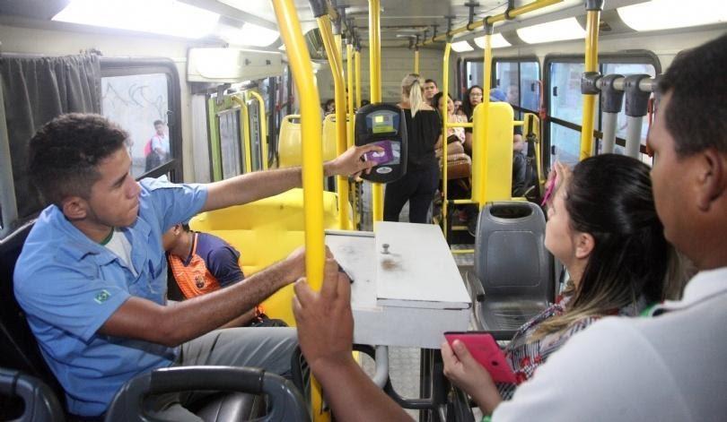 Depressão grave justifica indenização a cobrador de ônibus após assaltos