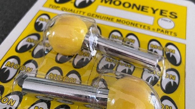 MOONEYES Yellow Door Pins