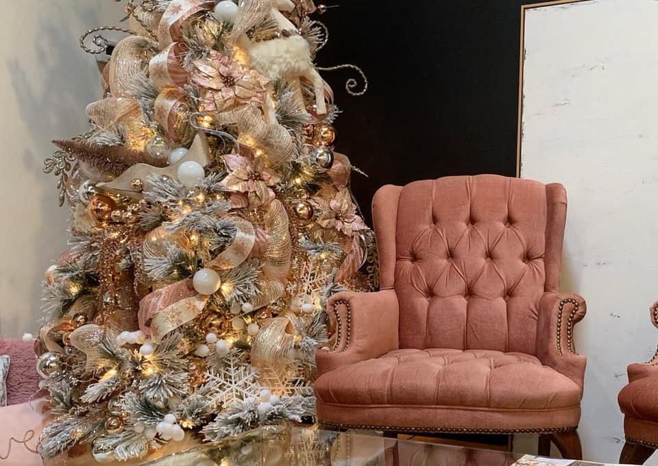 pink christmas tree.jpg