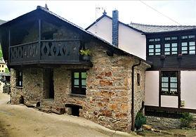 Casa'l Churro - Casa natal de Alejandro Casona en Besullo