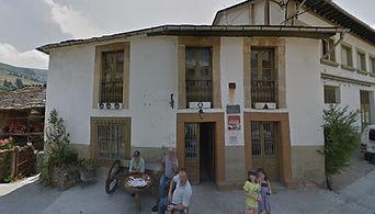 Casa Manón, en Besullo (Cangas del Narcea). Fachada.