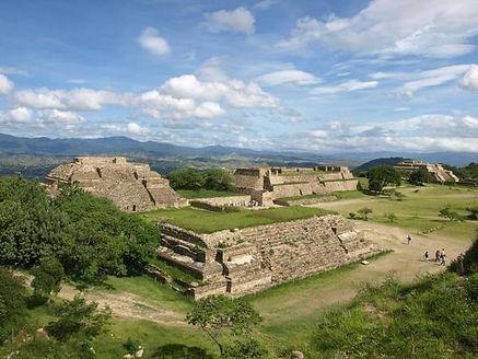 Monte alban zona arqueologica.jpg