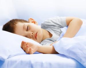 Trastornos del sueño en infancia y problemas conductuales y cognitivos en niños