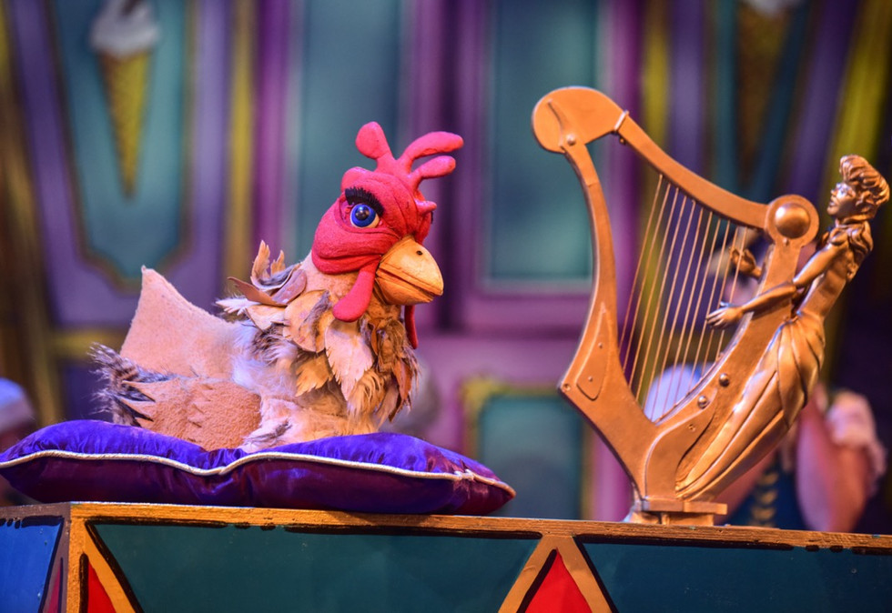 Hen and Harp