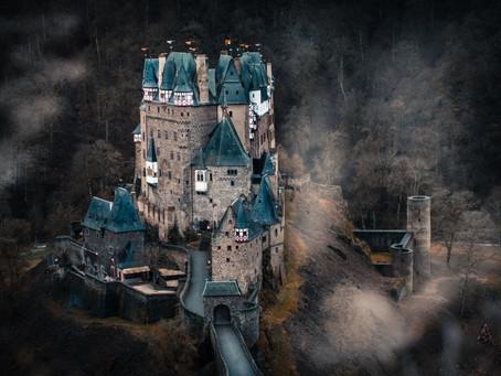 Ein Mikroabenteuer von Hirschen, Füchsen und Burgen