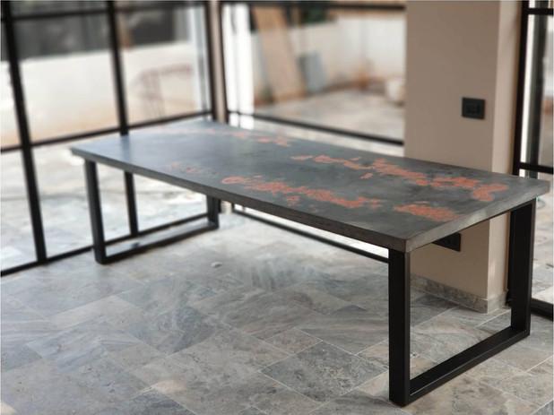 2שולחן פליז.jpg