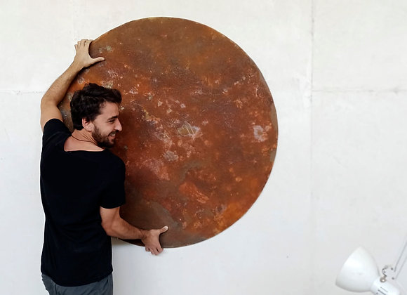 Rusty round element