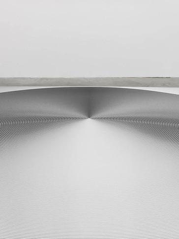RUEDA 1, 2017, 50x50cm. Impresión Fine Art con inyección de pigmentos minerales sobre papel algodón 340 g/m², blanco natural, acabado metálico de alto brillo. Edición de 12+2P.A.