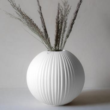 Vase-Vena-weiß-Storefactory-Steinzeug-Di