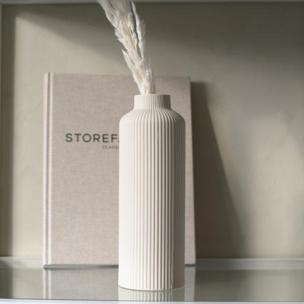 Vase-Ådala-beige-Storefactory-DieTagtrae