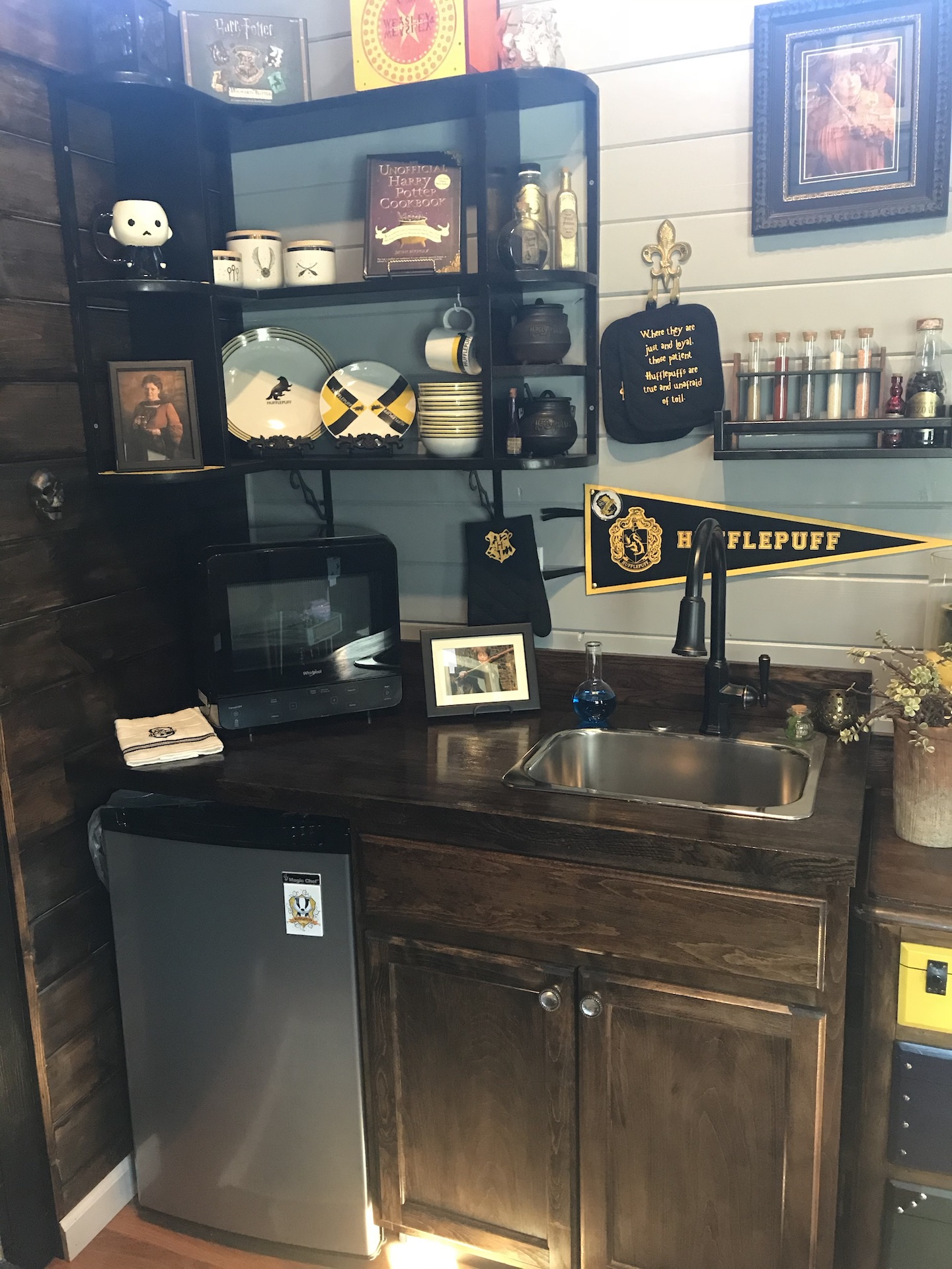 Hufflepuff Kitchen Shelf Unit