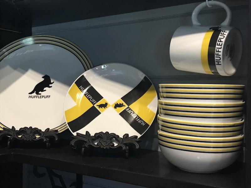 Hufflepuff dinnerware