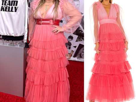 Kelly Clarkson's pink ruffled dress and red belt from The Voice