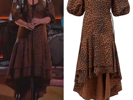 Kelly Clarkson's leopard print dress from The Kelly Clarkson Show