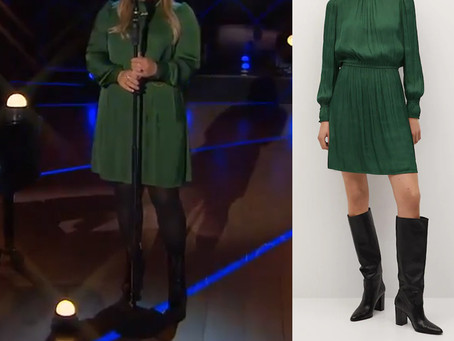 Kelly Clarkson's green puff sleeve dress from The Kelly Clarkson Show