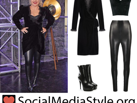 Kelly Clarkson's black outfit from The Voice