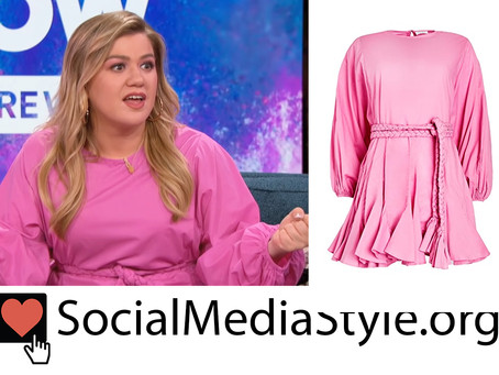 Kelly Clarkson's pink dress from The Kelly Clarkson Show