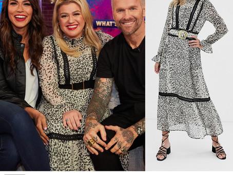 Kelly Clarkson's leopard print maxi dress from The Kelly Clarkson Show