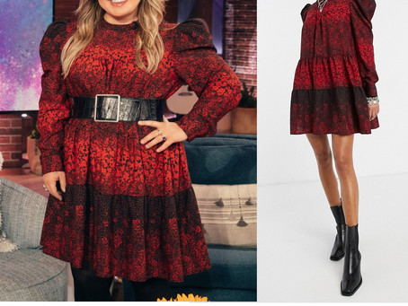 Kelly Clarkson's red print puff sleeve dress from The Kelly Clarkson Show