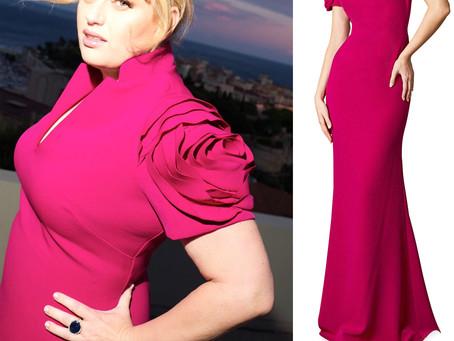 Rebel Wilson's pink rose sleeve gown