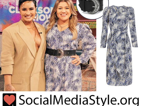 Kelly Clarkson's puff sleeve blue and white print dress and belt from The Kelly Clarkson Show