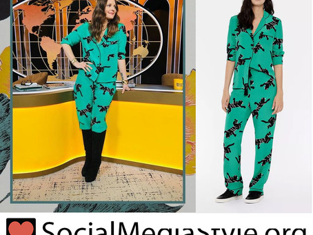 Drew Barrymore's green panther print pajamas from The Drew Barrymore Show