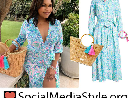 Mindy Kaling's Lilly Pulitzer blue print shirtdress, rattan tote bag, and beaded bracelets